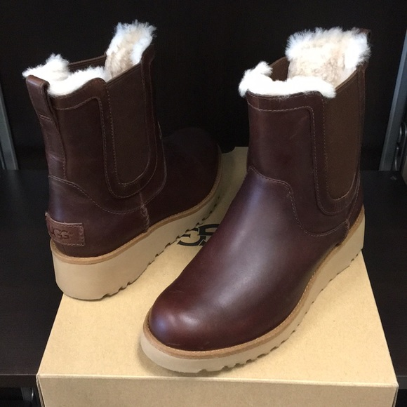 52a0d19ed94 New Classic Ugg Britt Leather Chestnut boots ❤️☃️ NWT